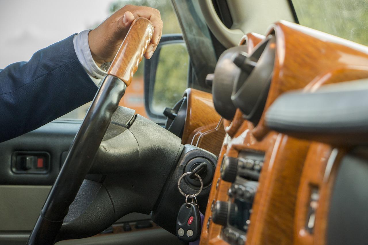 driver, vehicle, transfer-4786555.jpg