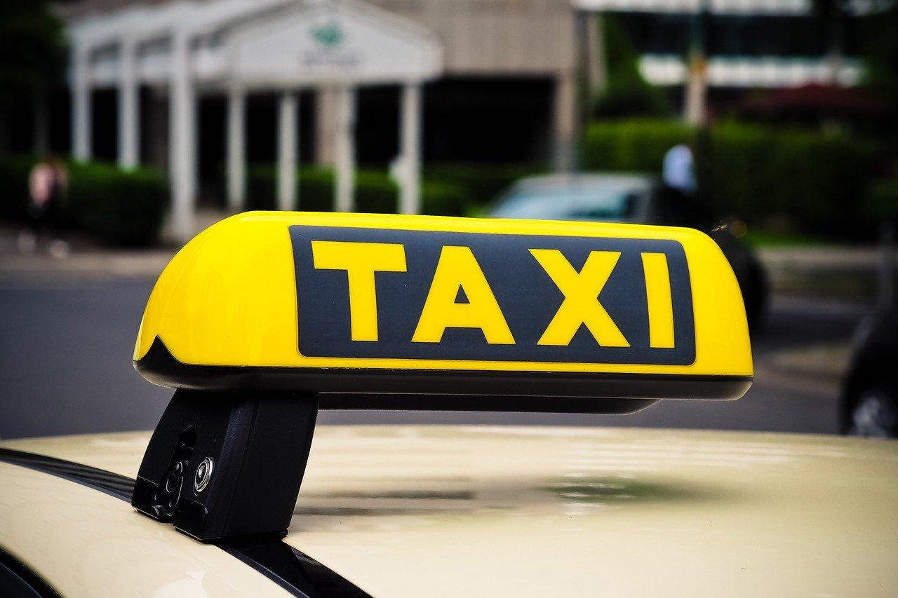 taxi, shield, auto-3504010.jpg